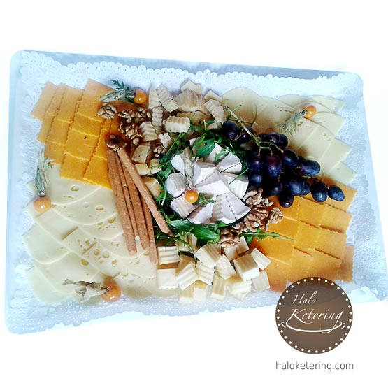 mix br 10 Plato sireva Cheese plate